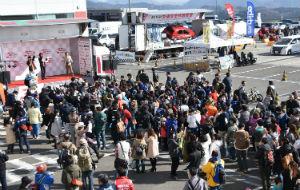 NaNika モータースポーツイベントの様子